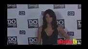 Ashley Greene позира на червения килим [08.08.2009]