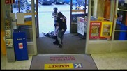 Камера заснема служителка в супермаркет, как се справя с нагъл крадец !