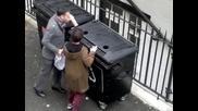 Скрита камера-щедрият контейнер