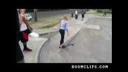 Провал на момиче да кара скейтборд?!