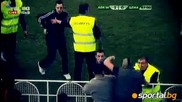 Агитката на Цска нахлу на терена на мача в Мездра