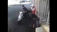 Ето за това не дават на децата да карат скутери !