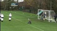 Вратар вкарва гол със задна ножица !!!
