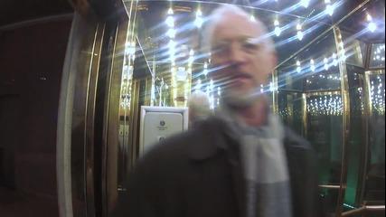 Гласова шега в асансьор