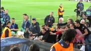 Робен хвърли фланелката си на фен след мача срещу Барса