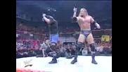 WWF - Kane И Undertaker Спасяват Lita
