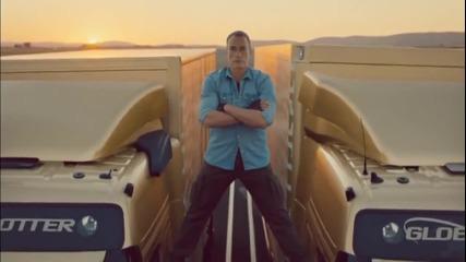 Ван Дам с шпагат м/у два движещи се камиона