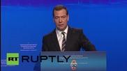 """Медведев: 'Русия е способна сама да се издържа."""""""