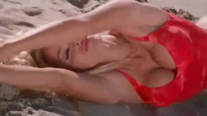 Гореща и секси! Памела Андерсън по бански