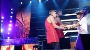 Изненада от Джъстин Бийбър» Justin Bieber - Hold Tight (видео с фенове) + Текст и Превод!
