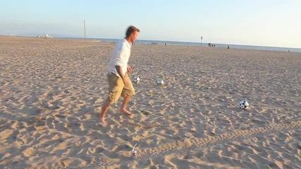 Дейвид Бекам показва класа на плажа!