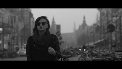 Превод •» Demi Lovato - Nightingale (официално видео)