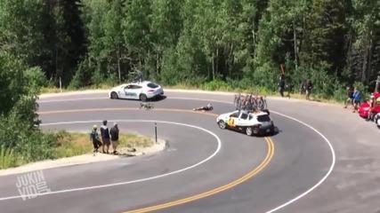 Велосипедисти се блъскат в кола и мотор по време на състезание