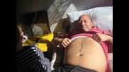 Крис Олег /зъболекар/ на дядо Оги на с.страдалово 20.10.2012г