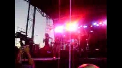 Kat Deluna - Whine Up !!![hot Live]!!!