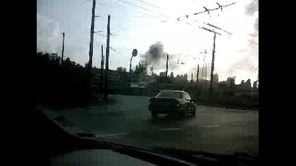 Пожар до бензиностанция в Дружба 1