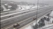 Какво правят в Канада, когато снегът ги Изненада!
