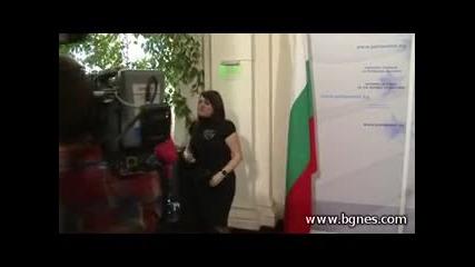 Боко се ядосва и бяга от журналистите (серия 456)