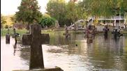 Argentina: Life goes on for Villa Paranacito residents despite persistent flooding