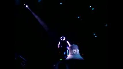Ac/dc концерт в България - удрянето на камбаната