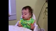 Първият Лимон На Едно Бебе