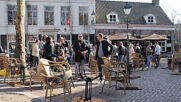 Netherland: Dozens gather at pub terrace defying lockdown closure