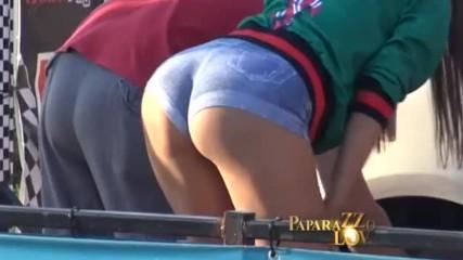 Сорая и секси приятелка шокираха с голи дупета