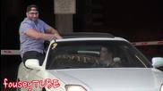 Пич влиза в автомобилите на случайни хора - Шега