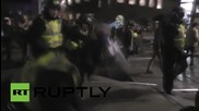 UK: Pro-refugee protesters clash with police at London's St. Pancras station