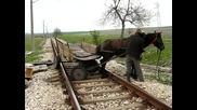 цигани спират влак