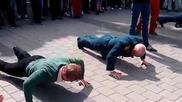 Руски военен ветеран спечели аплодисментите на хората с физическата си издръжливост!