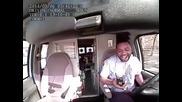Шофьор хвърля луди танци, докато шофира (видео)