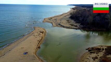 Там където морето прегръща реката