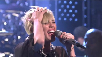 Miley Cyrus - Wrecking Ball (live On Snl)
