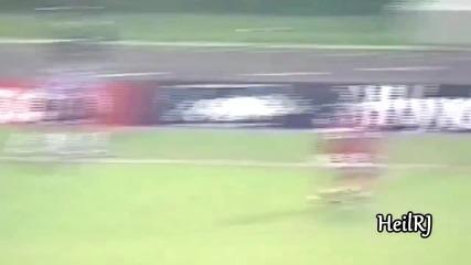 Роналдиньо срещу велики играчи