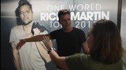 Рики Мартин е нацелуван от фенка- San Diego, One World Tour- 20.09.2015