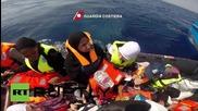 Италия: Бреговата охрана пресрещна 345 емигранта в Средиземно море