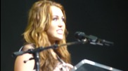 ( бг суб ) Майли Сайръс се разплаква на Concert For Hope