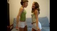Яка пародия от момичета на много песни :) (луда ародия)