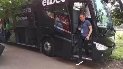 """Футболистите на Лудогорец пристигнаха на """"Българска армия"""""""