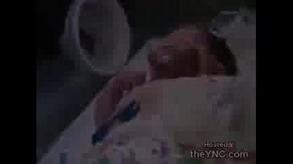 Бебе Родено Със Сърце Извън Тялото !!!!!