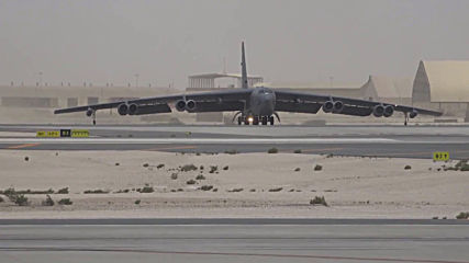 Qatar: US B-52 bomber takes off over unspecified Iran threat