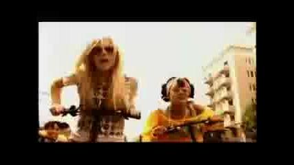 Avrillavinge Ft. Lil`mama - Girlfriend [remix]