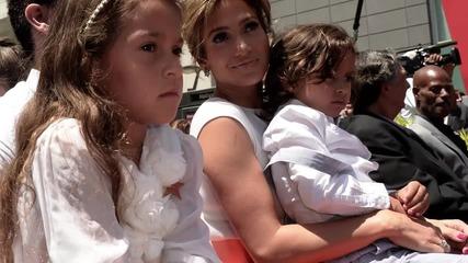Jennifer Lopez Wants More Babies ...With Casper Smart?    Hollyscoop News