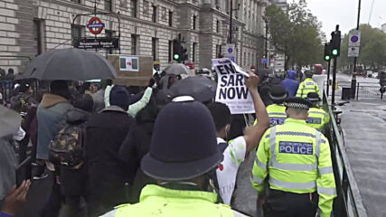 UK: Hundreds demand 'justice' at London rally against police brutality in Nigeria