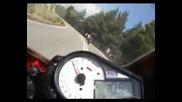 Suzuki Gsx - R 1000 Vs Ducati 999...