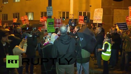 USA: Protesters honour Netanyahu with