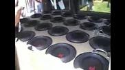 24 10 inchovi bass govoritelq v Dodge Caravan