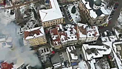 Горят две къщи в центъра на Габрово
