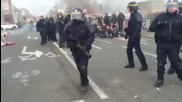 France: Police shutdown anti-refugee blockade in Calais, 14 detained